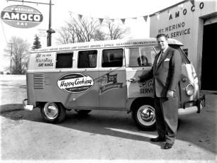 Mt. Merino Sales delivers new VW Bus 1958 (2)