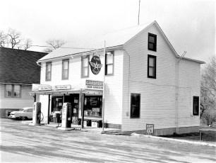 Feller's Grocery Store Linlithgo 1964 (1)