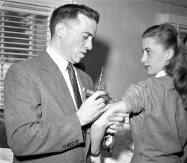 Bard College student polio shots 1957 (2)