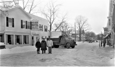 Market Street clearing snow Red Hook 1961 (2)