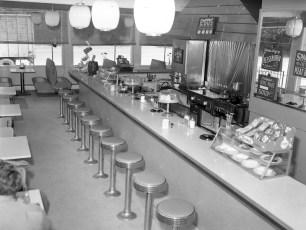 Matty's Restaurant Upper Red Hook 1962 (2)