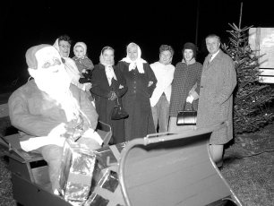 Town of Taghkanic Christmas decorating group 1960 (2)