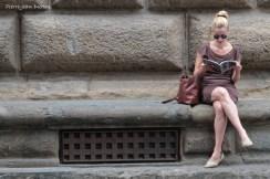 Lecture sur les marches du Palazzo Strozzi, Florence, 13 Septembre 2015