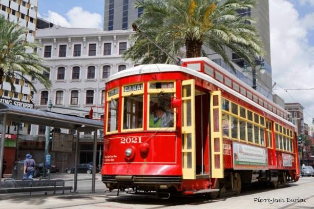 Tramway sur Canal Street, Nouvelle-Orléans, Louisiane, 5 mai 2015