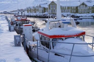 """Le village isolé de Sigulfjordur, qui a servi de décor à la série """"Trapped"""", Islande"""