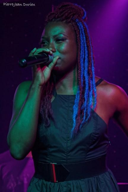Chanteuse au Krazy Korner, Bourbon Street, Nouvelle-Orléans, Mai 2015