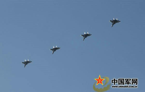 資料圖:中國空軍殲11戰機梯隊。