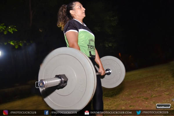 Deadlift Girl - by photoclickclub