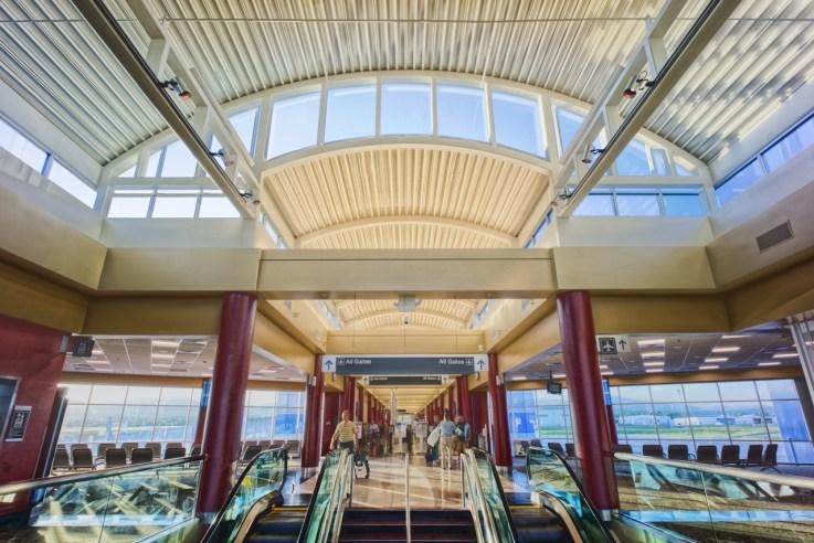 mark-morrow-photofocus-alpha-leica-airport