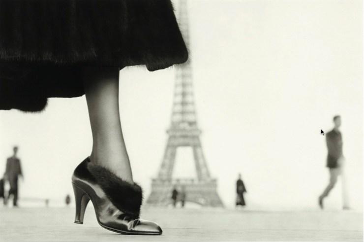 Richard_Avedon_Suzy_Parker_Eiffel_Tower