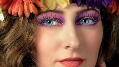 Adding Realistic Eyelashes in Photoshop