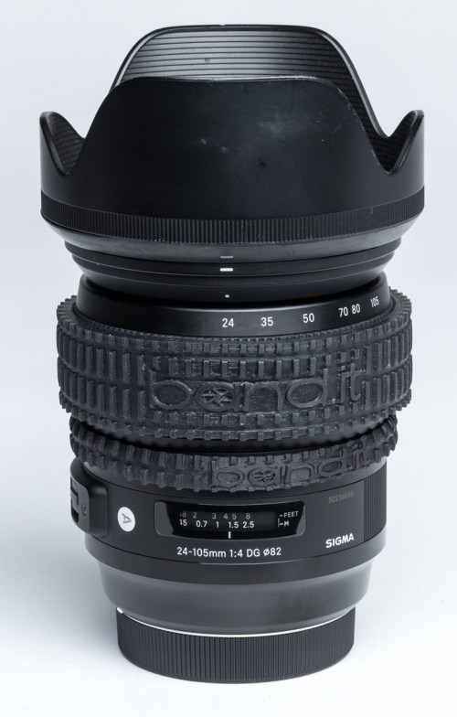 24-105mm Sigma Art series zoom lens complete with band.it rings