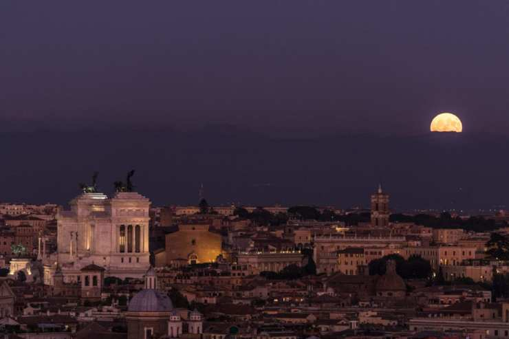 Moonrise over Rome. Photo by Tim Grey