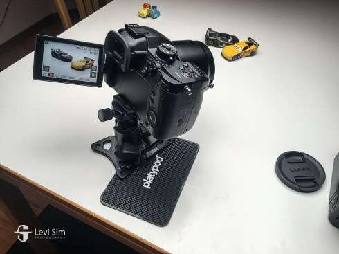 The rubber Platypod pad kept the camera from sliding on the table.