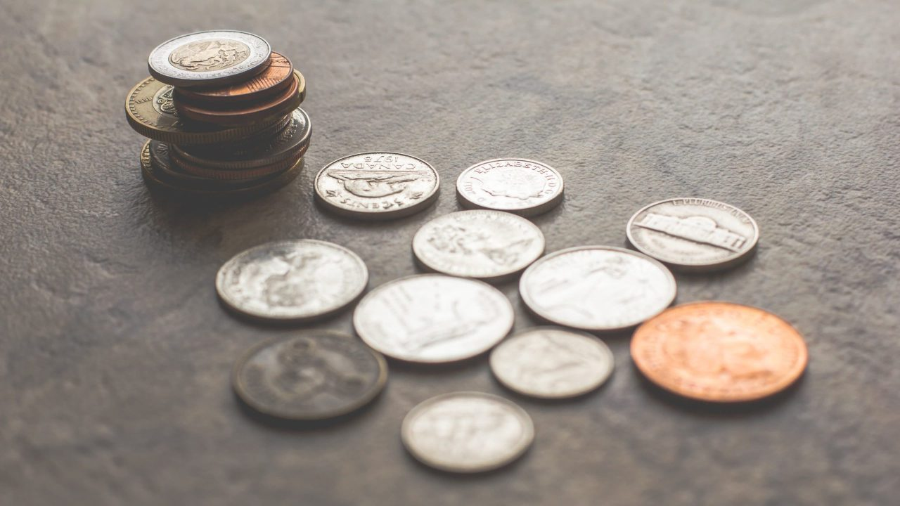 7 Ways to Save Money on Camera Gear