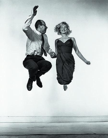Philippe Halsman & Marilyn Monroe jumping.