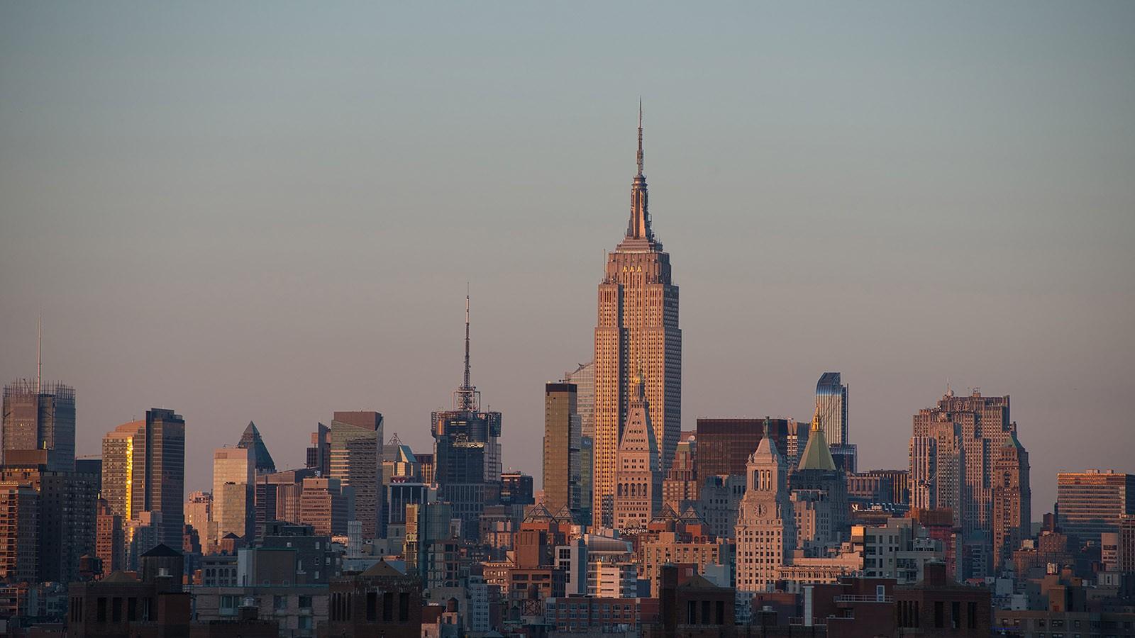 The NYC skyline complete with hazy sky by Dima Sytnik