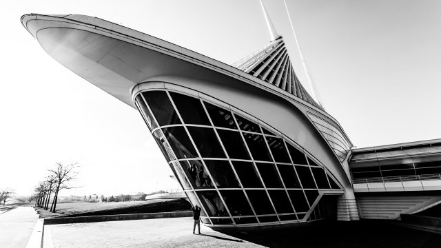 Adding people in your architecture photography