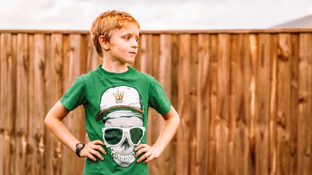 Family photos with tweens: Photographing kids who are too cool for school