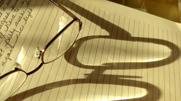writing glasses notepad