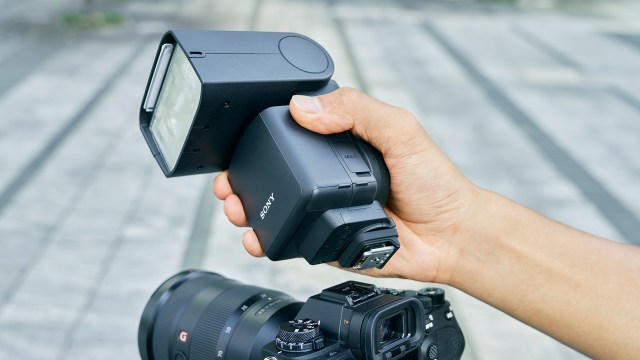 Sony announces two new flashes to evolve Alpha lighting system