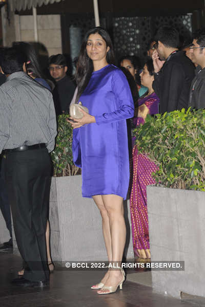 Tabu's short dress exposing her huge legs!