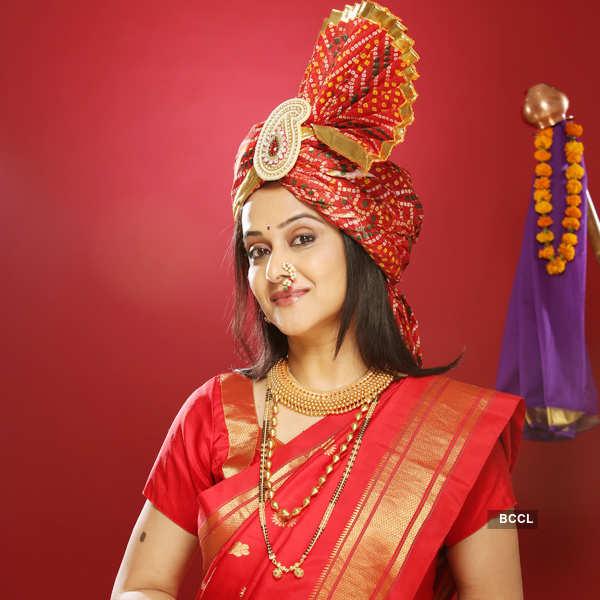 Renowned Marathi Actress Mrinal Kulkarni Gives Us The