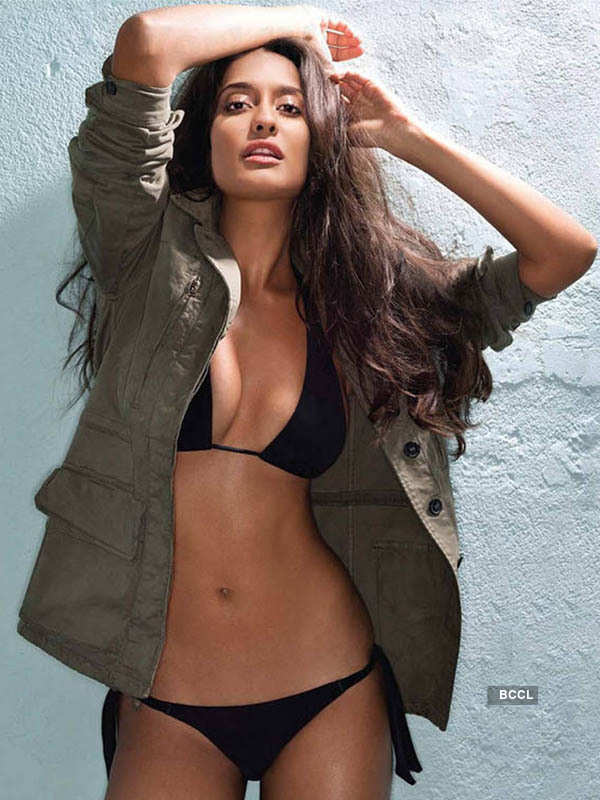 Sexy Lisa Haydon
