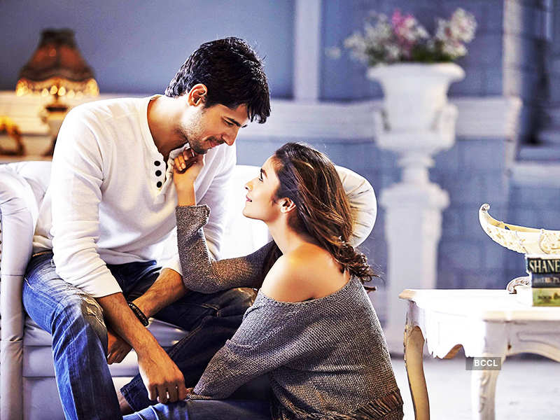 Alia Bhatt and Sidharth Malhotra in Students of the Year