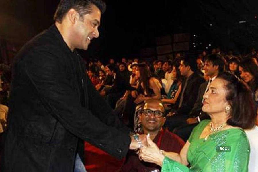 Salman Khan's bonding with Asha Parekh