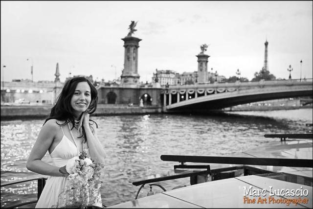 Paris, la seine des photos de mariage symboliques