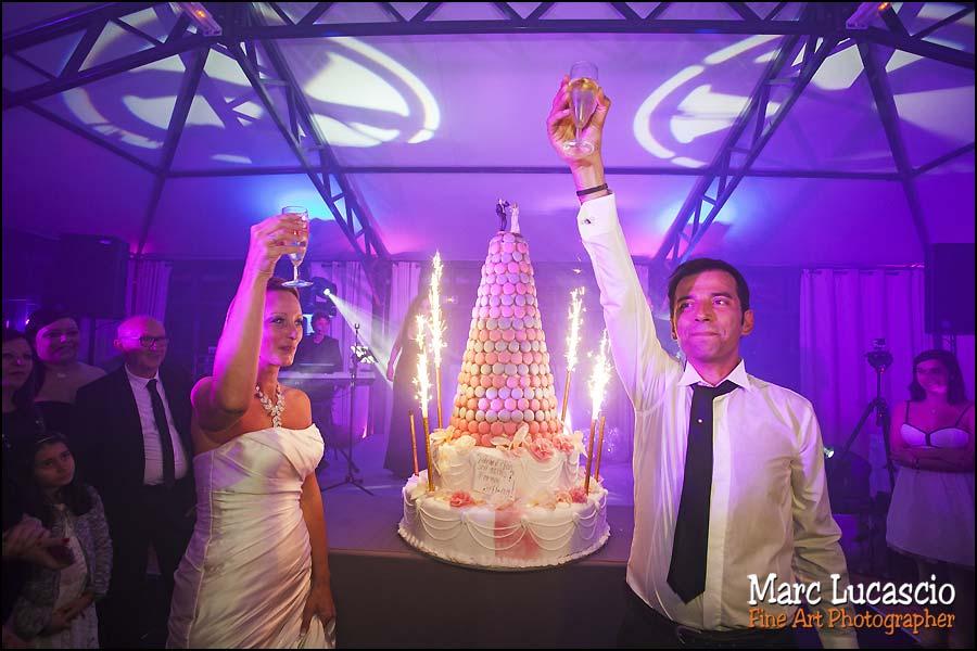Champagne et gâteau des festivités juives