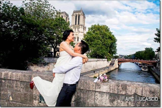 Pre-wedding à Paris à Notre Dame de Paris