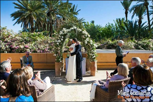 Céremonie mariage Marrakech. Officiant de cérémonie.