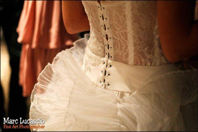 robe de mariage et lacets