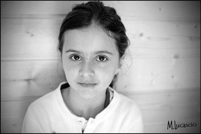 portrait enfant naturel noir et blanc