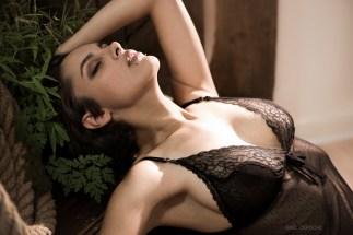 Photographe boudoir Paris, shooting photo studio lingerie