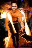 photographe pour performeur Paris, shooting photo cracheur de feu, jongleur, book photo artiste de feu