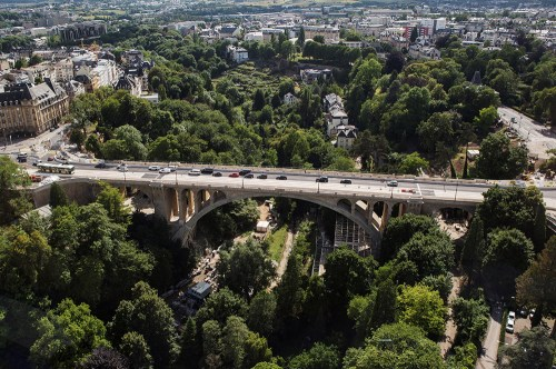 pont adolphe luxembourg from above