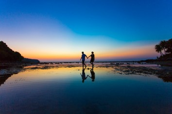 Honeymoon photo session at naiyang beach phuket