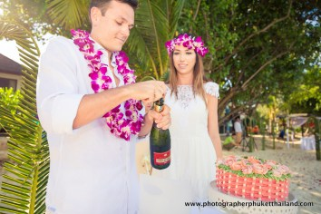 wedding-photo-session-at-phi-phi-island-krabi-thailand-232