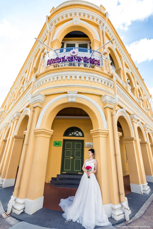 pre wedding photoshoot at oldtown phuket thailand