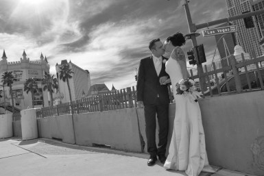 Photographers of Las Vegas - Vegas Strip Tour Photography - Couple on the Strip