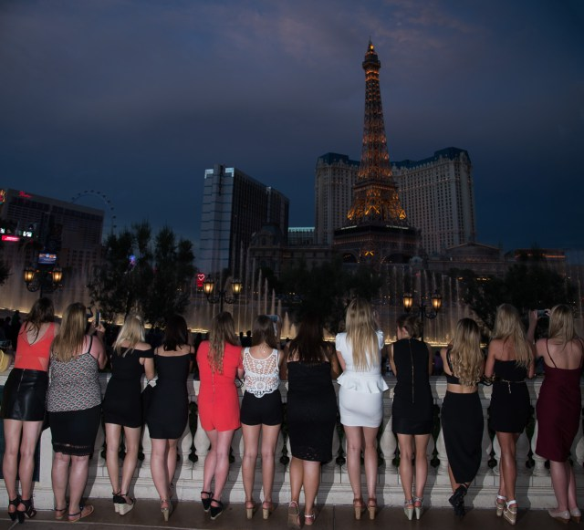 Photographers of Las Vegas - Vegas Strip Tour Photography - Bachelorette Party at Bellagio fountains