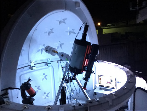 The Sky Shed Pod from Canada, is a relatively cheap prefab kit observatory with a small footprint, perfect for backyard astronomers.