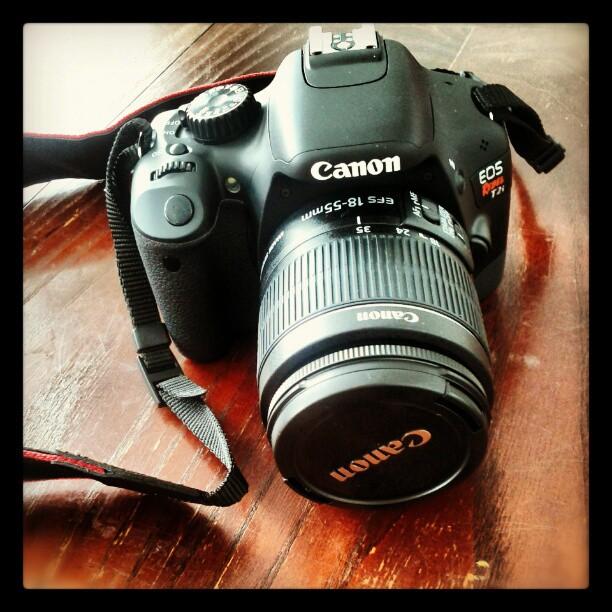 a photo of a canon rebel t2i camera