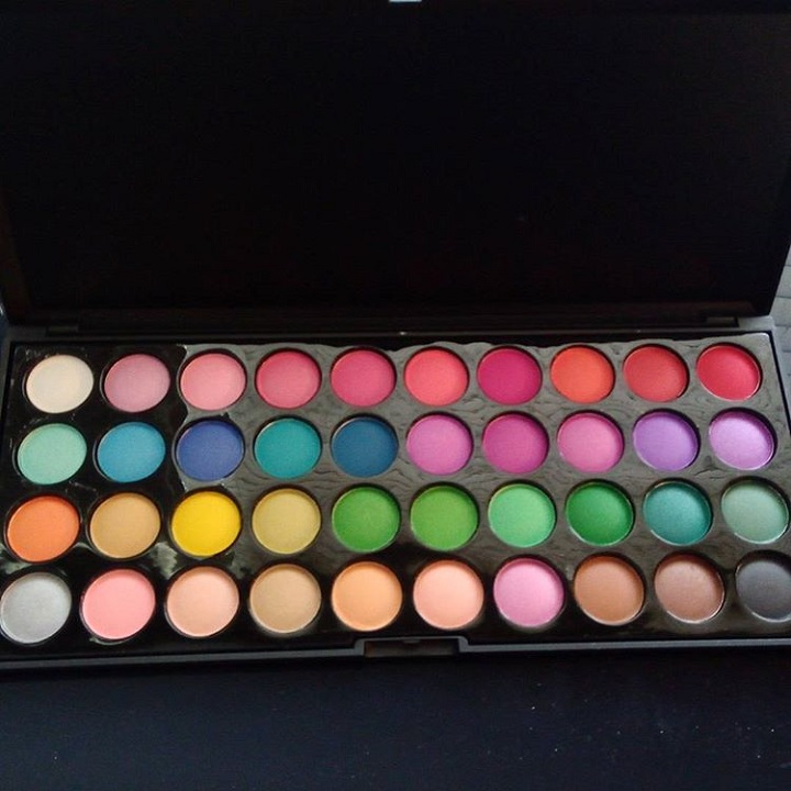 a photo of an eyeshadow palette with forty different colours