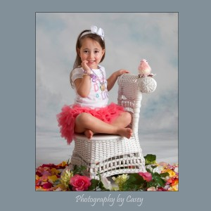Photographer of litle girls in tutus and birds
