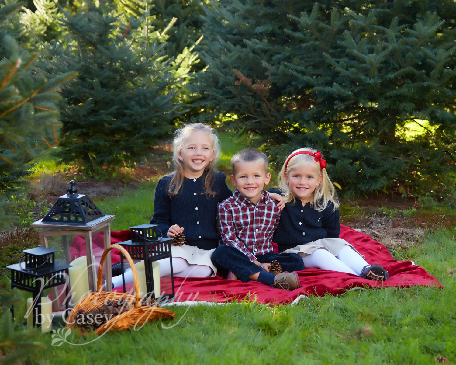 Childrens photos at Millers Christmas Tree Farm