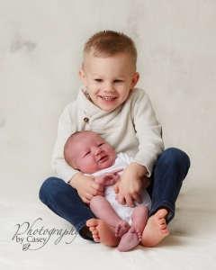 brother and newborn photography